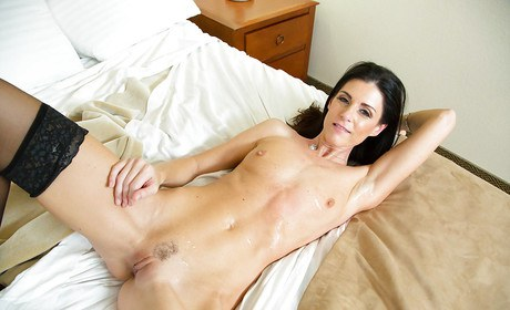 Dandy Milf India Summer discloses mouth wide for face hump from bulky schlong