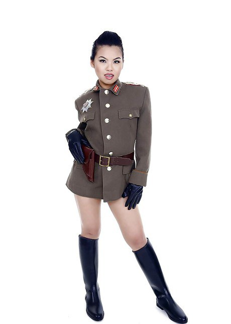 Oriental pornstar Cindy Starfall posing solo in soldierly outfit