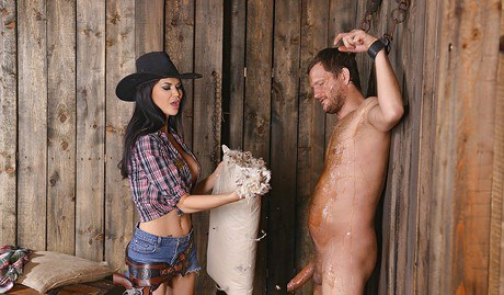 Curvey cowgirl Jasmine Jae taking dense prick in pierced cunt