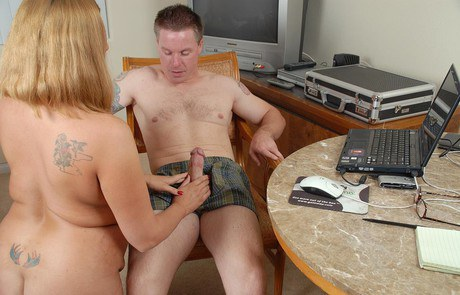 Big-beautiful-woman Alexys glistens workmate her knickers and breast screws his anaconda in office