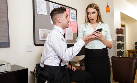 Bleached-blond typist Kimber Lee sends her coworker a blow-job in office