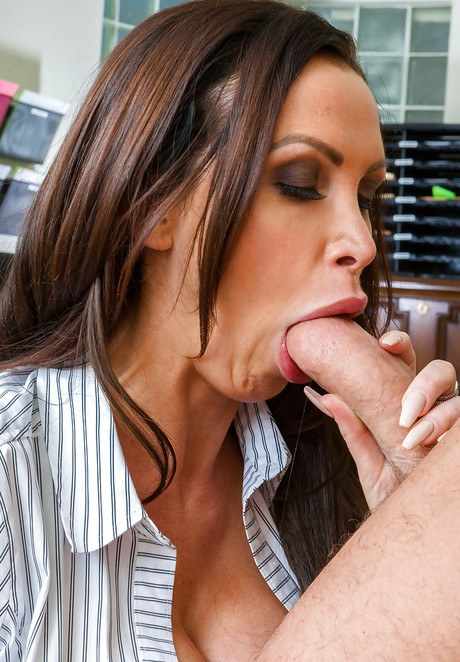 Inexperienced Euro Milf Nikki Benz taking ejaculate in mouth thereafter hard-core copulation