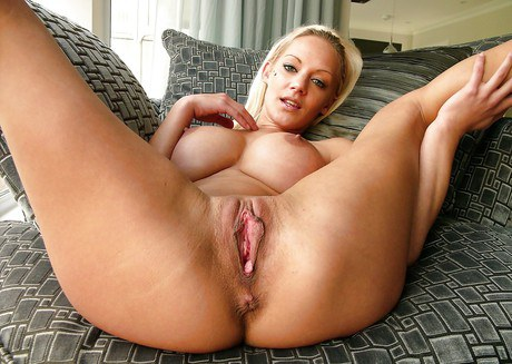 Long-legged Euro initial time Loulou Tiny jerking-off vagina in socks