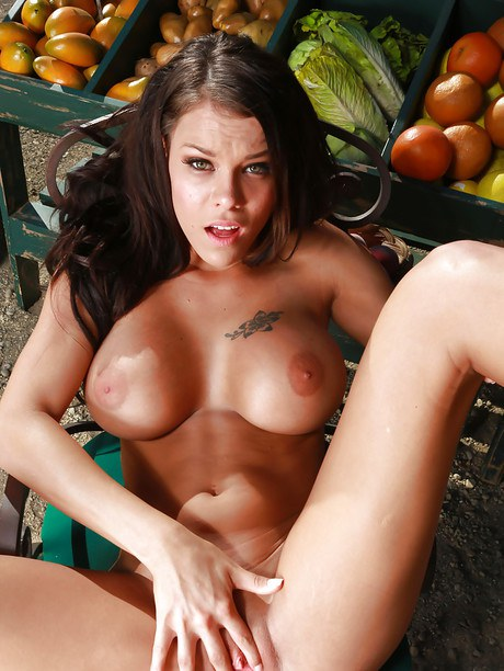 Buxom chicken Peta Jensen giving Bj beforehand riding prick at farmer's vegetable stand