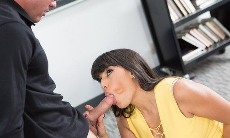 Latina brunette with tremendous melons Mercedes Carrera lick anaconda with her torrid tongue