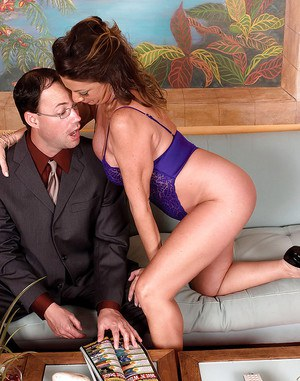 Cock hungry mom Margo Sullivan gets a younger dick to play with