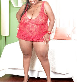 Black bbw Chloe Stevens gets her fat breasts kissed and worshipped