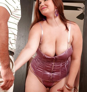 Chubby babe Lexi Summers presenting fat tits and big ass before fondling a cock