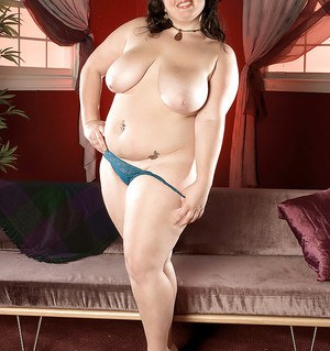 Gothic plumper Jaden Suede takes off her nightie and panties for sexy posing