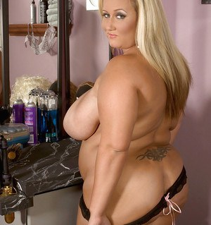Busty bbw blond Rose Valentina squeezing her massive tits and toying her wet box