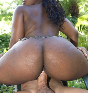 Ebony bbw chick with huge booty stripped from red lingerie for hardcore drilling