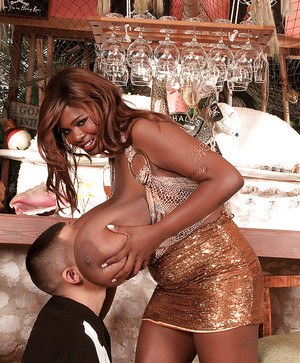Stunning ebony girl gets her massive black boobs worshipped by a lucky guy
