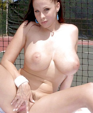 Hairy Gianna Rossi does some sports and cunt rubbing.