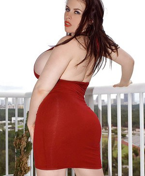 BBW Daphne Rosen gets wild in an interracial outdoor action.