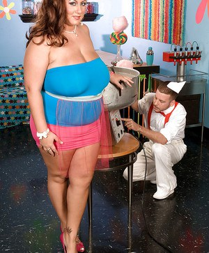 Heated fatty Rose Valentine eating cotton candy while fucking candy man