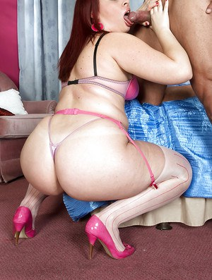 Chubby girl in stockings and heels Sasha Fox gets her fat ass licked and fucked