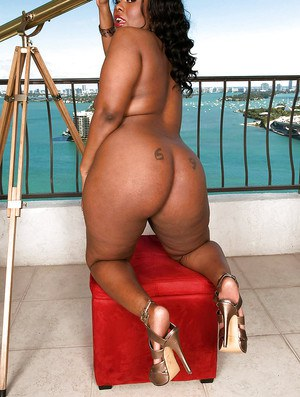 Black bbw girl in jean miniskirt Keita Eden demonstrates yummy big ass outdoor