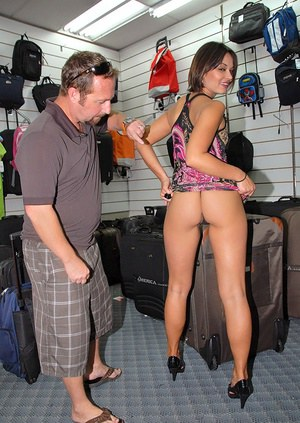 Butt milf reality fuck in a shop – big ass mommy gets plowed