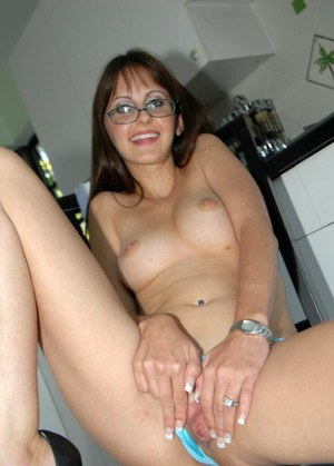 Shy mommy in glasses sports pierced clit and fucks hardcore