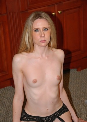 Milf in stockings gives real blameless blowjob and rides meat