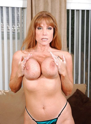 Darla Crane always gifts us with fantastic galleries and you will enjoy watching this busty mom masturbating.