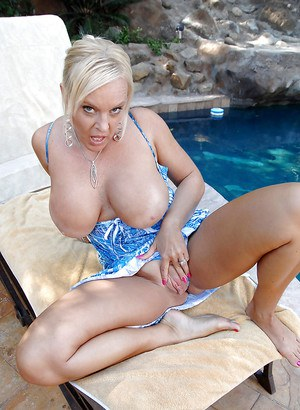 Chubby mature Alexis Golden stripping from dress and panties at the pool