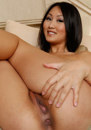Gorgeous Evelyn Lin inviting you into the Asian babe university