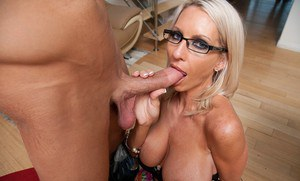 Milf Emma Starr impales herself on a big cock in hardcore scene