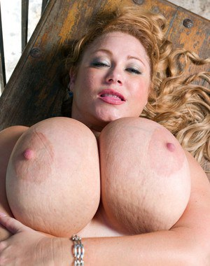 BBW mature boobs getting bared and licked by their lucky owner
