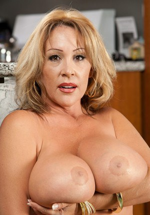 Kandi Cox's mature BBW hooters need being creamed right now