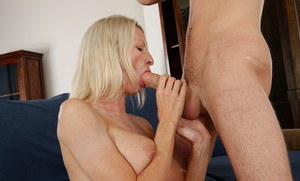 Mature doll Emma Starr goes ecstatic during a hardcore fuck