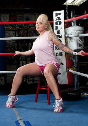 Tattooed wife Angel Vain exposing her bbw curves in the boxing rink