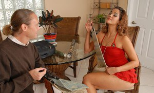 Sultry latin wife Miss Raquel gets her hot pussy licked and shafted