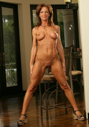 Mature wife in heels Sarah Bricks demonstrating her neat athletic body