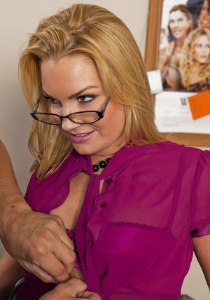 Lascivious MILF teacher Flower Tucci getting her ripe booty fucked