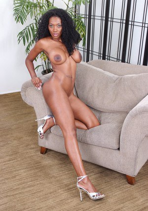 Black MILF Nyomi Banxxx revealing dark pussy and huge nipples outdoor
