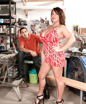 Mature fatty with nice hooters Stephanie Stalls fucking in the garage
