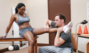 Busty black diva Jada Fires gets her tight butthole fucked in the gym