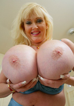 Fat mom Kayla Kleevage revealing massive hooters from blue lacy bra