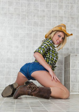 Blond teen babe in a cowboy hat Shawna Lenee goes nude in the shower