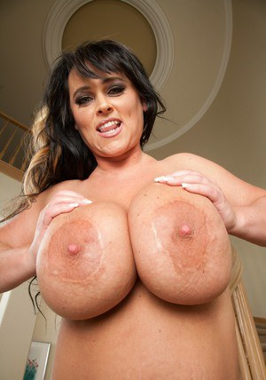 Mature BBW Indianna Jaymes brings out massive melons and ass