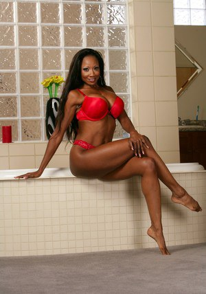 Black MILF Diamond Jackson exposing wet curves in the bathroom