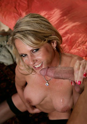 Mature lady in stockings and heels Bridgett Lee gets her slit hammered