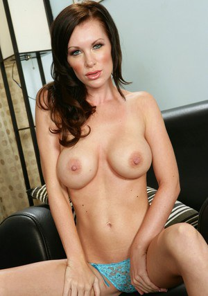 Luscious MILF Brandi Edwards denudes big tits and nicely shaved pussy