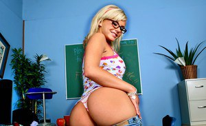 Sexy college blonde in glasses Bree Olsen stripping and fingering ass