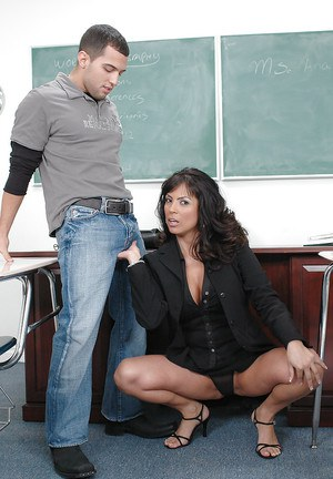 Sexy MILF teacher in glasses Adriana Anelise shafted and facialized