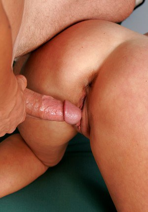 Plump mature Rheina Shine got her pussy and juggs licked and fucked