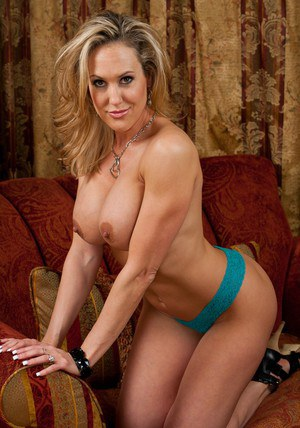 Delightsome MILF Brandi Love demonstrates big ass and poses in heels