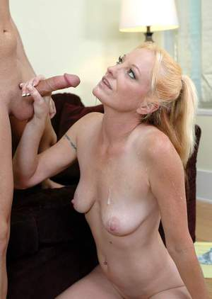 Sexy mature mom Tai Ellis got her hairy cunt drilled hard core