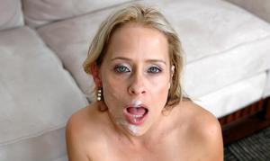Beautiful mom with small tits Payton Leigh gets licked and fucked